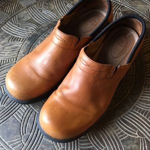 ARIAT Tan Santa Cruz Leather Slip On Clogs Size 9